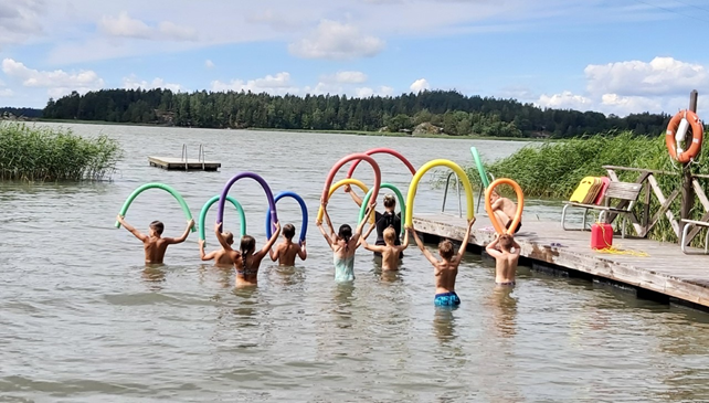 Kuvituskuva Uimakoulu Lemu uimarannalla
